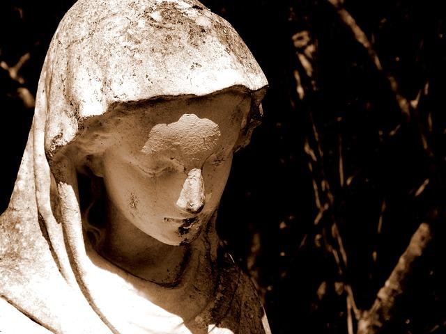 聖母マリアの像