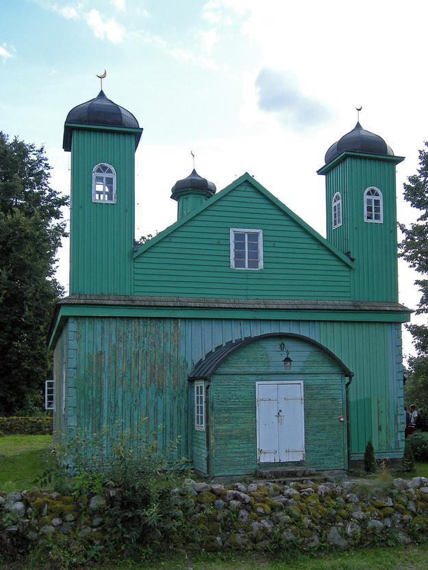 クルシェニャニ村のモスク photo by