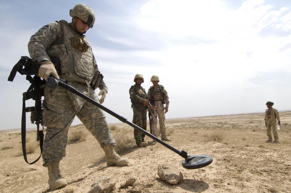 Patrol in Albu Sawwat, Iraq