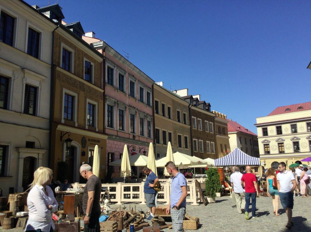 旧市街・蚤の市の光景2