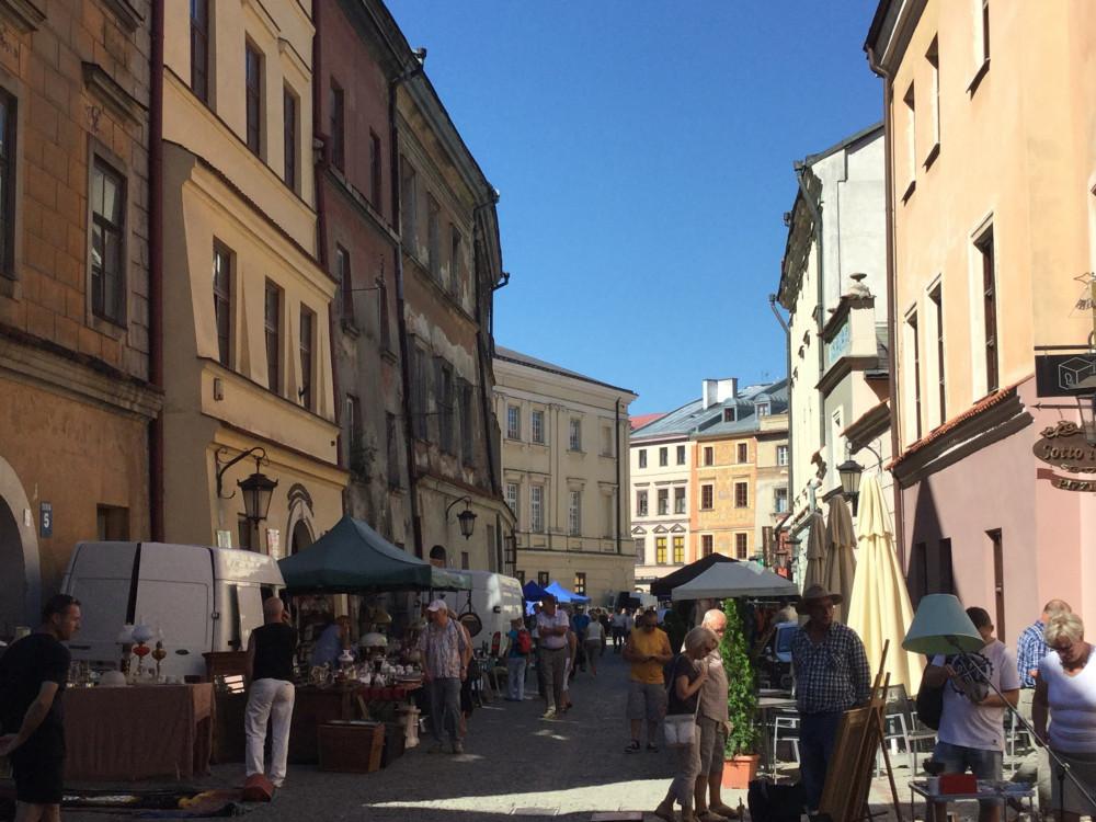 旧市街・蚤の市の光景3