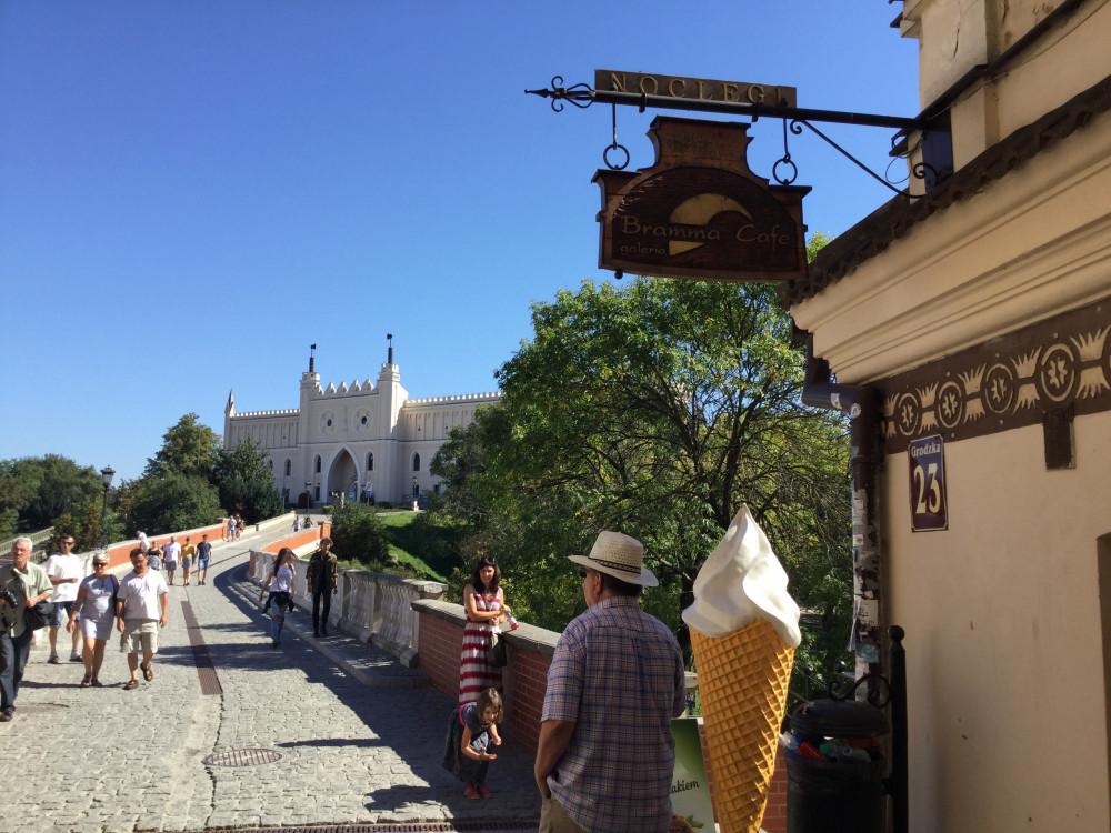 旧市街からルブリン城を望む