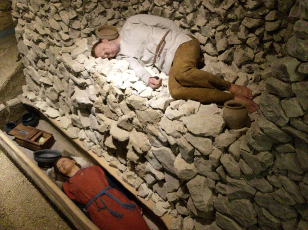 葬られた古代のポーランド人