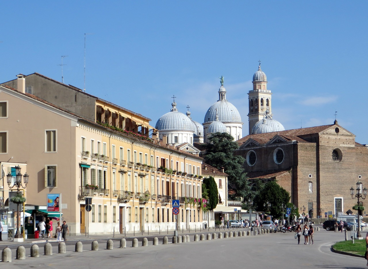 現在のイタリア、パドヴァの街