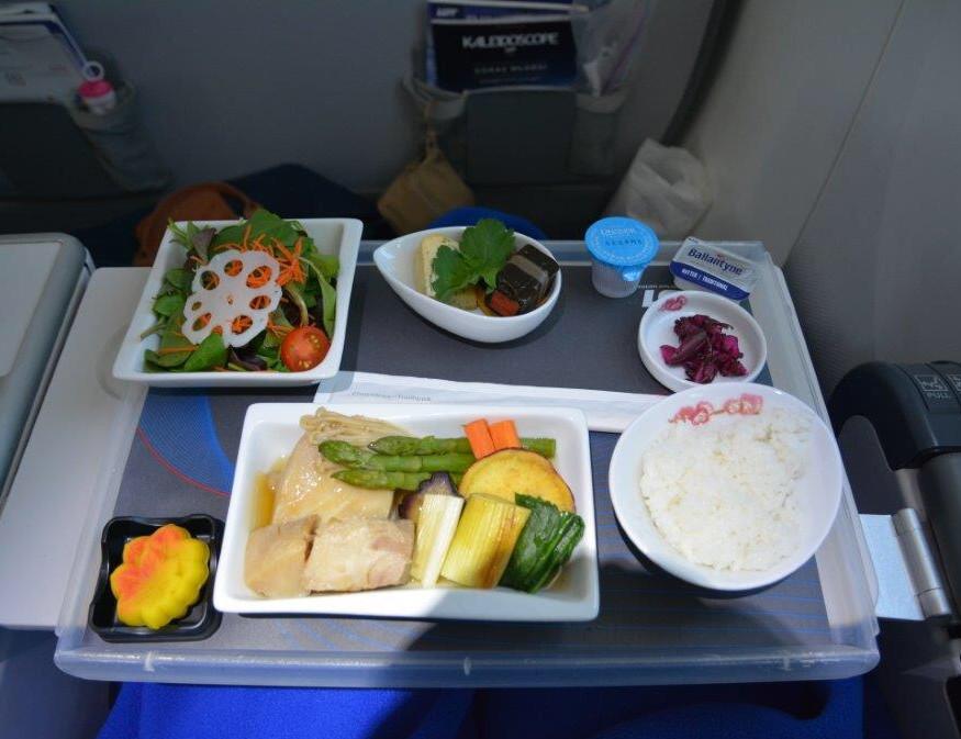 成田 - ワルシャワ路線の食事②