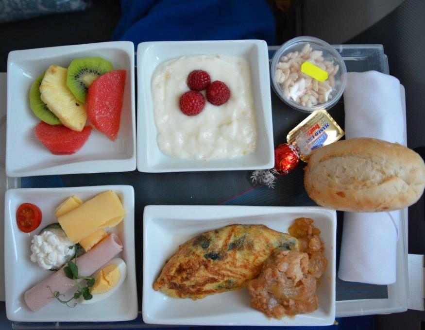 成田 - ワルシャワ路線の食事④