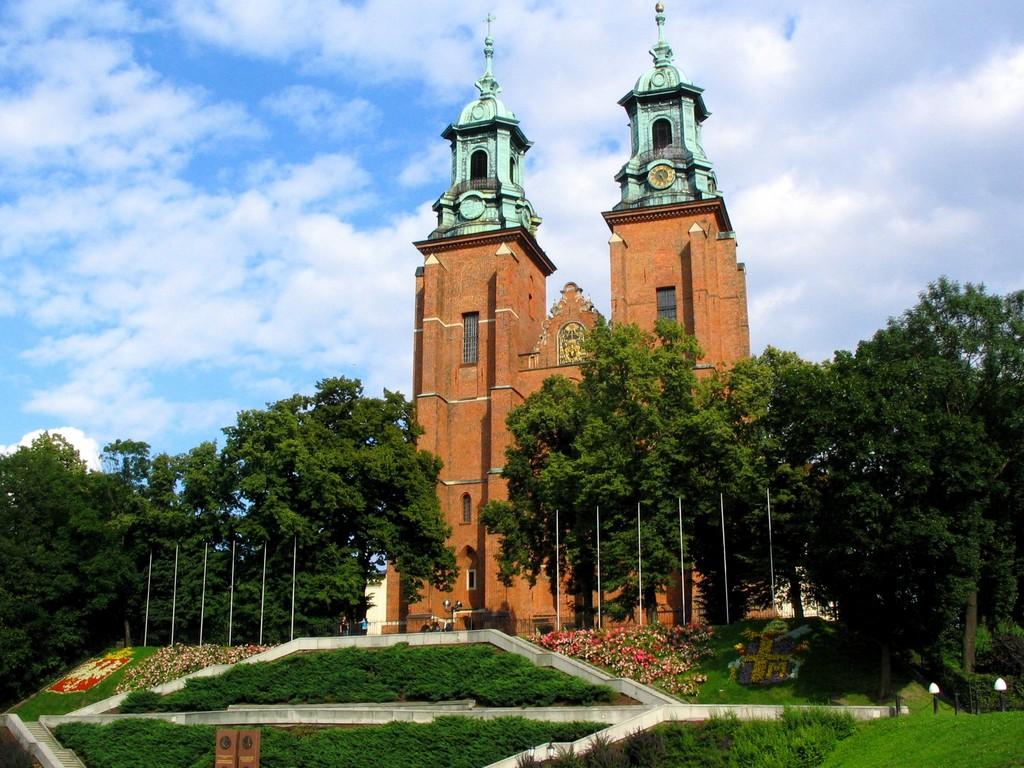 ポーランドの起源、グニェズノ