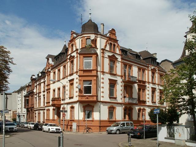 築数百年の建築物