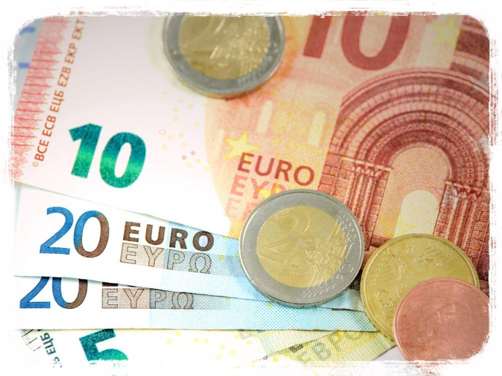 ユーロ お金